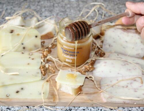 Tagliere di Formaggio Pecorino e Miele