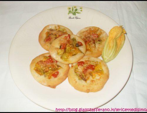 Focaccine con Fiori di Zucca e Pomodori
