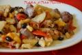 Padellata di Patate Peperoni e Salsicce