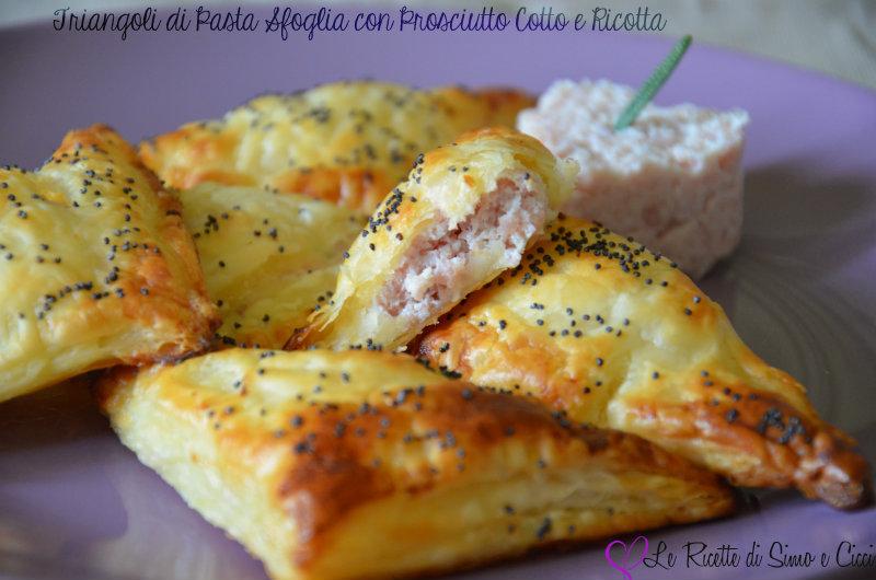 Triangoli di Pasta Sfoglia ripieni con Prosciutto Cotto e Ricotta