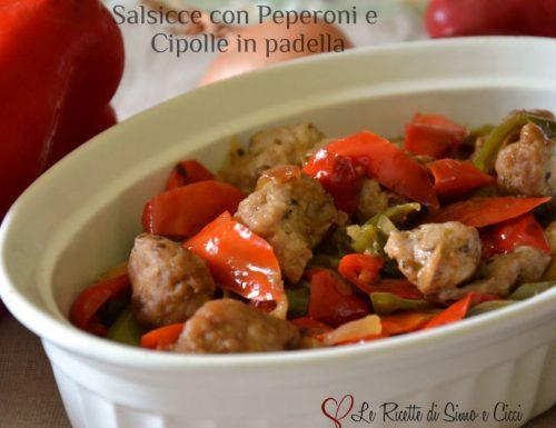 Salsicce con Peperoni e Cipolle in padella