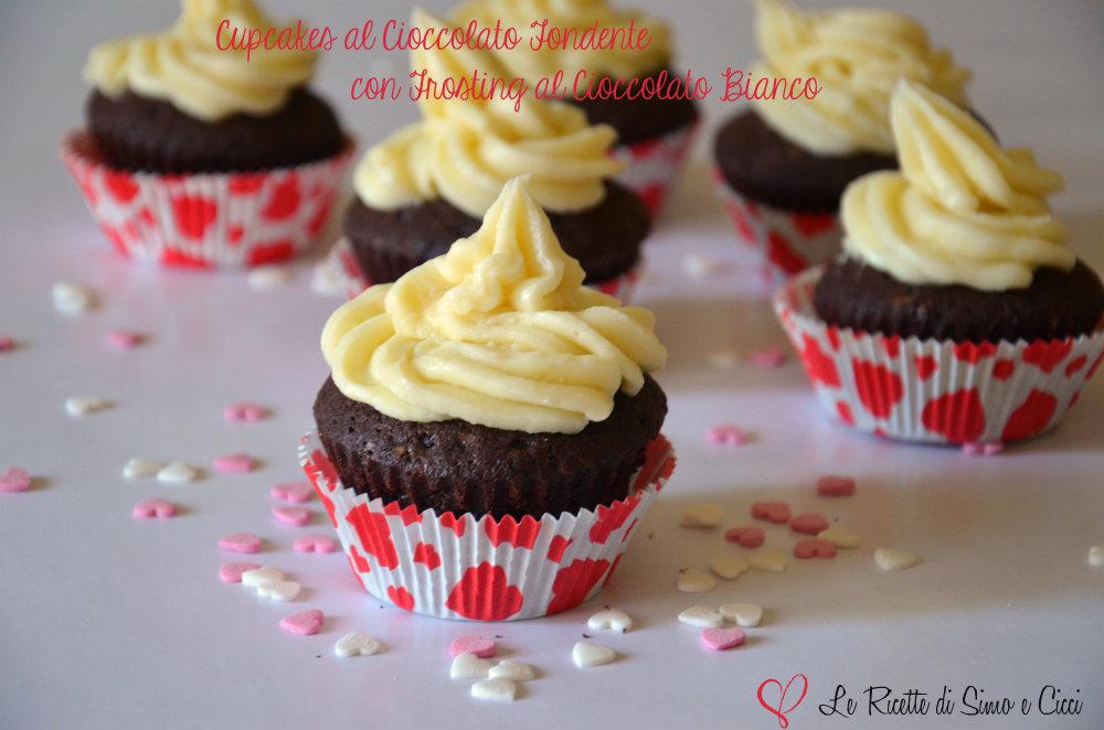 Cupcakes al Cioccolato Fondente con Frosting al Cioccolato Bianco