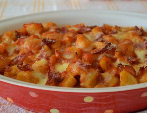 Gnocchi di zucca con pomodoro speck e mozzarella