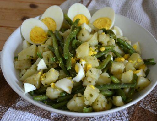 Insalata di patate e fagiolini al pesto