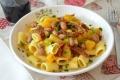 Pasta con zucca fagioli e pomodori secchi