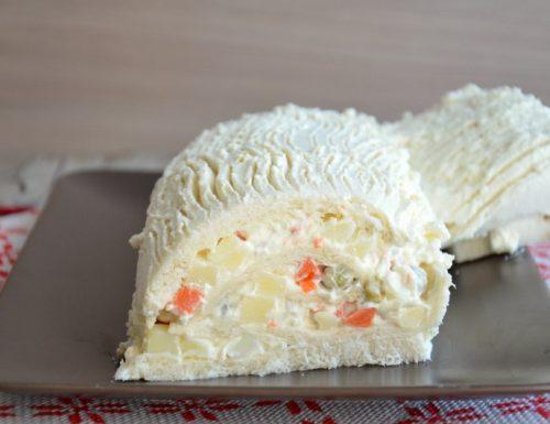 Tronchetto di Natale salato con insalata russa