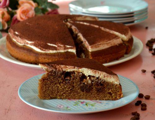 Tiramisù poke cake