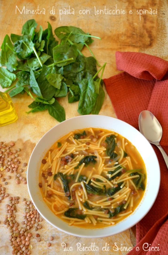 Minestra di pasta con lenticchie e spinaci