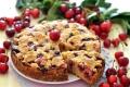 Torta morbida di ciliegie con crumble croccante