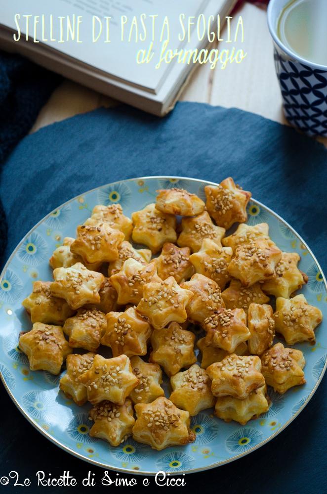 Stelline di pasta sfoglia al formaggio