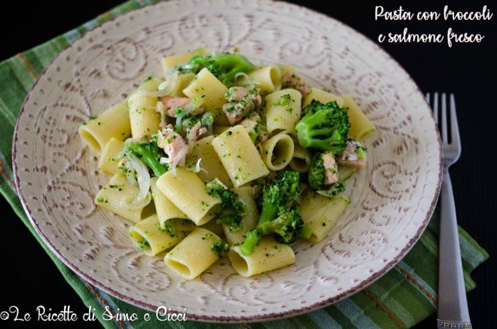 Pasta con Broccoli e Salmone Fresco
