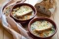 Zuppa di farro con verdure e formaggio