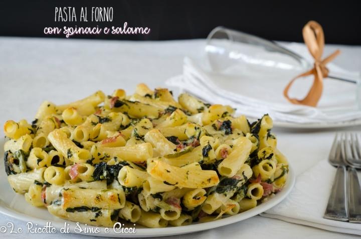 Pasta al forno con spinaci e salame