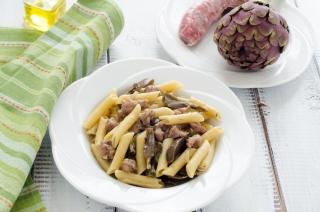 Pasta risottata salsiccia e carciofi