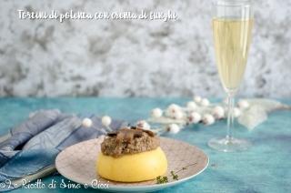 Tortini di polenta con crema di funghi