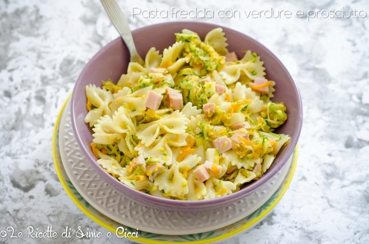 Pasta fredda con verdure e prosciutto