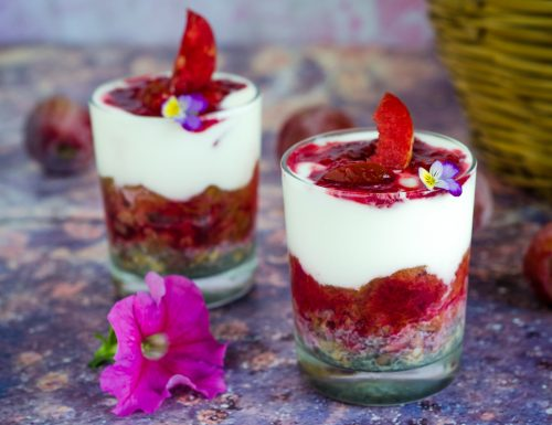 Chia pudding con yogurt e muesli
