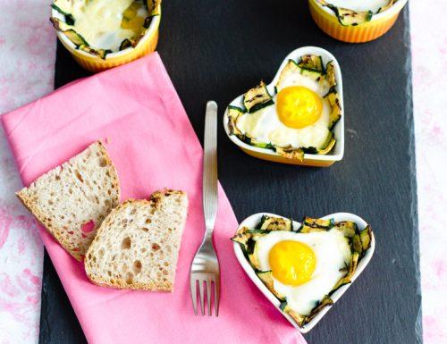 Uova in cocotte con zucchine e formaggio