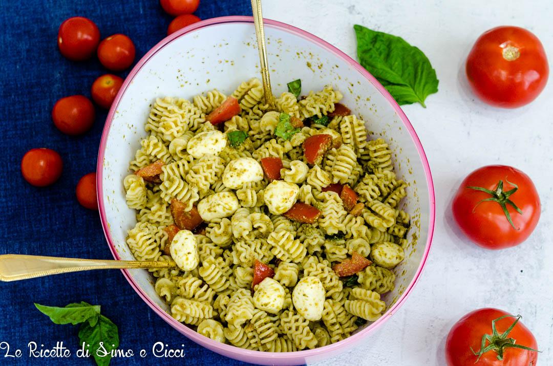 Pasta Fredda con Pesto Pomodori e Mozzarella