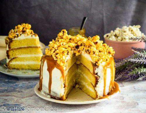 Torta al caramello salato e pop corn caramellati