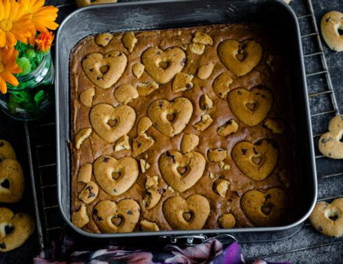Brownies con biscotti alle gocce di cioccolato
