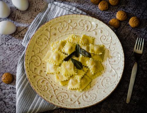 Tortelli di zucca e amaretti, ricetta semplice e saporita
