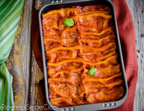 Cannelloni ripieni di carne e ricotta