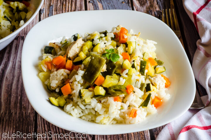 Riso con pollo e verdure al vapore