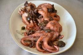 Moscardini con olive e capperi