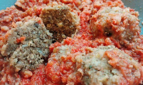 Polpette di lenticchie al sugo