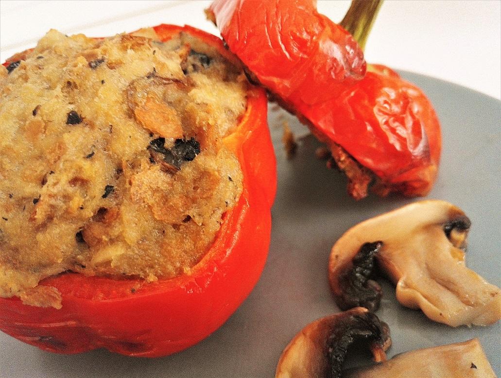 Peperoni ripieni con champignon