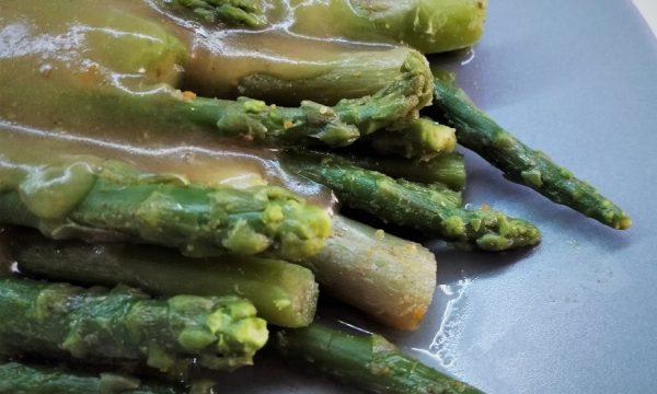 Asparagi in salsa