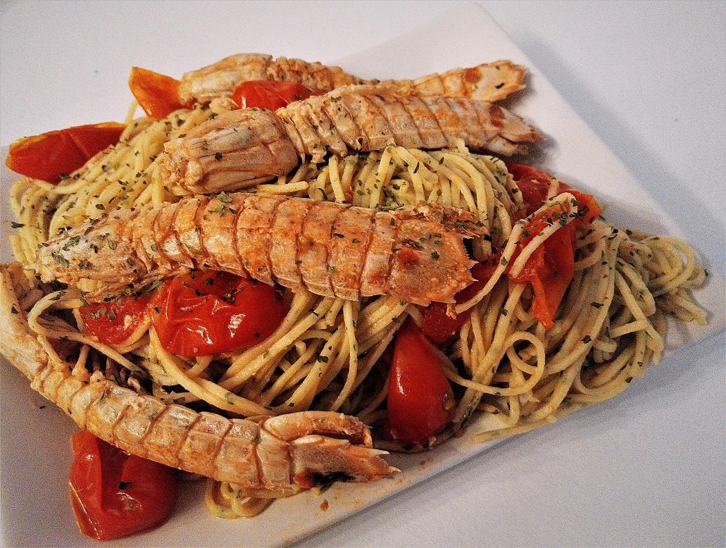 Spaghetti con canocchie