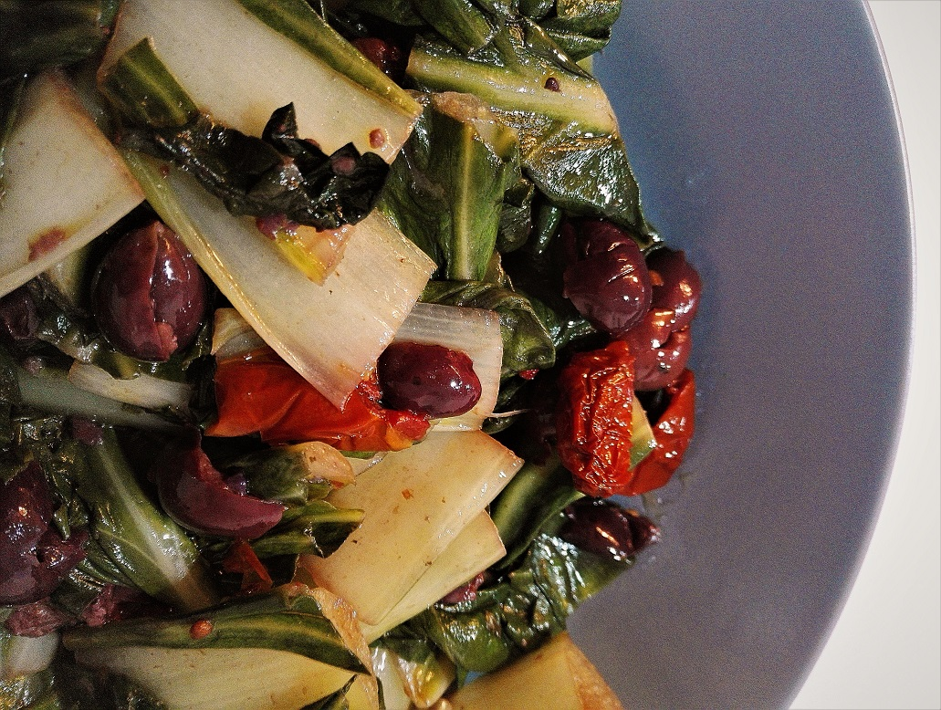 Coste con olive di Gaeta e pomodori secchi