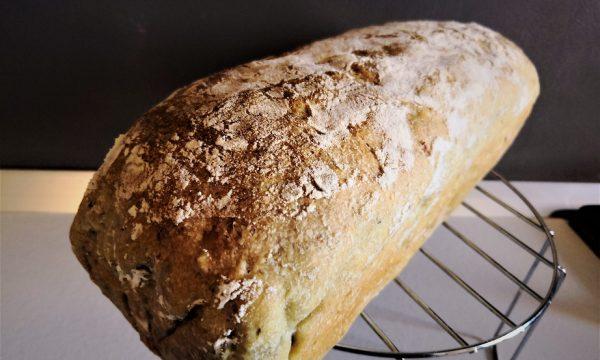 Pane in cassetta morbido con semi di zucca e girasole