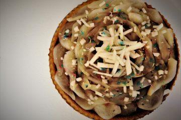 Crostata morbida con pere e crema pasticcera al cioccolato