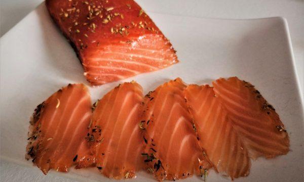 Salmone marinato a secco