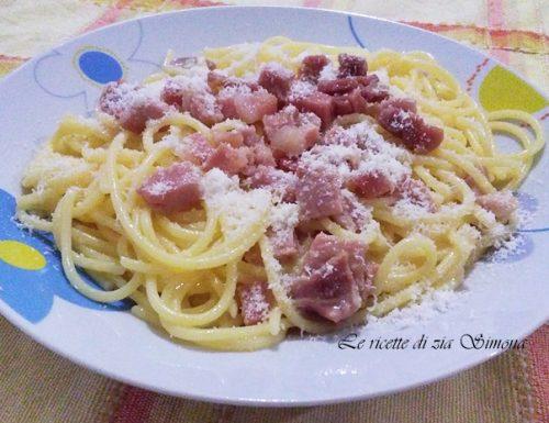Spaghetti alla carbonara (con e senza glutine)