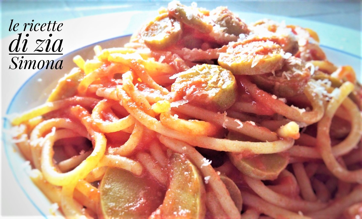 spaghetti pomodoro e zucchine