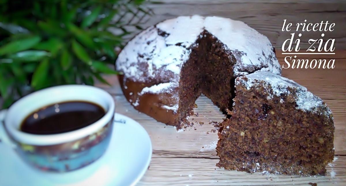 Torta caffè cioccolato e granella di nocciole
