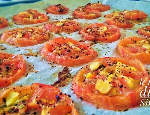 Pomodori al forno profumati