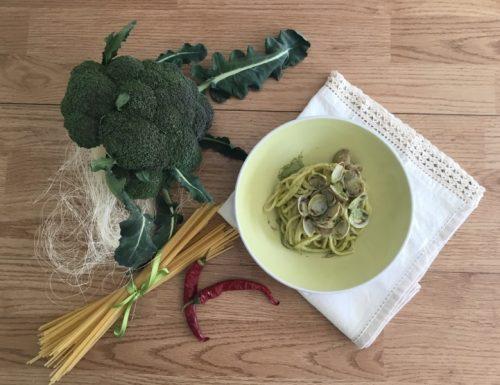 Spaghetti alle vongole e crema di broccoletti