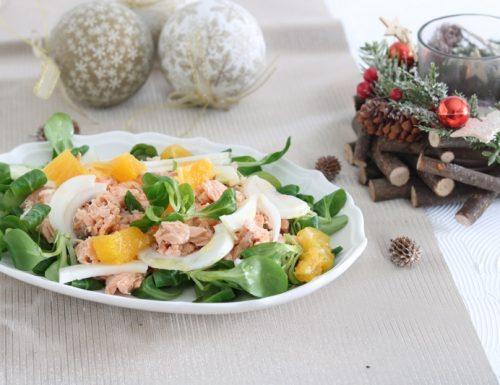 Valeriana con salmone finocchi e arance