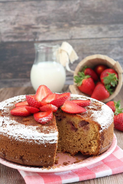 torta farro avena fragole