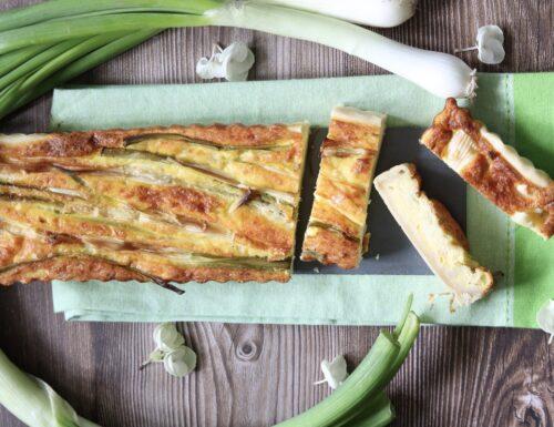 Crostata salata di cipollotti freschi e stracchino