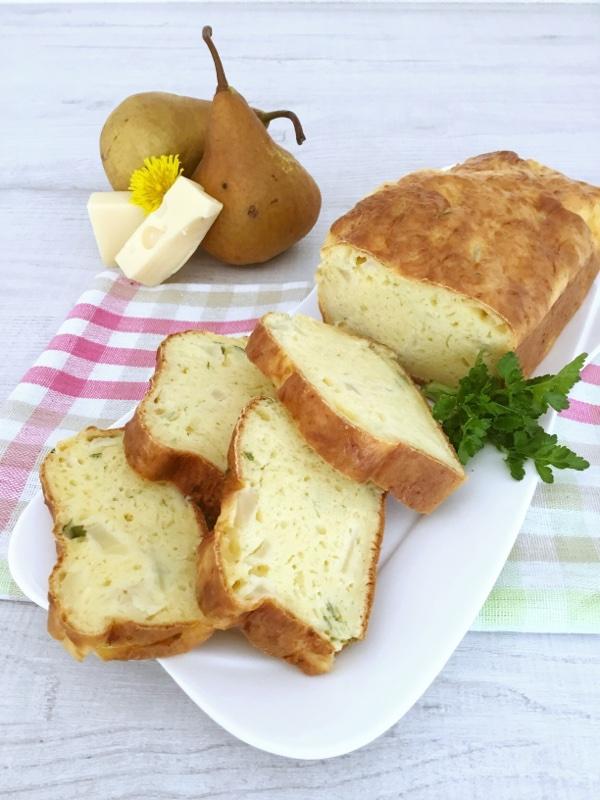 Plumcake salato con emmental e pere