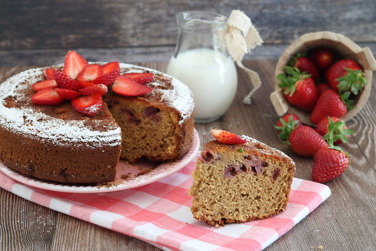 torta di farro avena kefir e fragole
