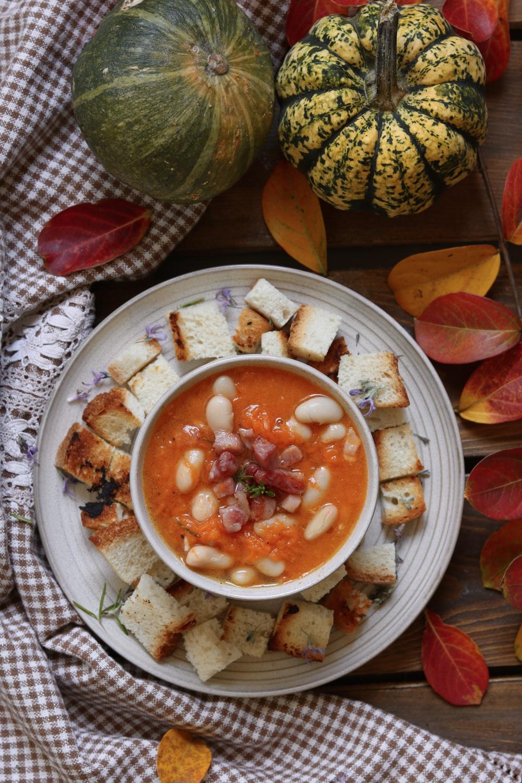 zucca con fagioli cannellini e pancetta