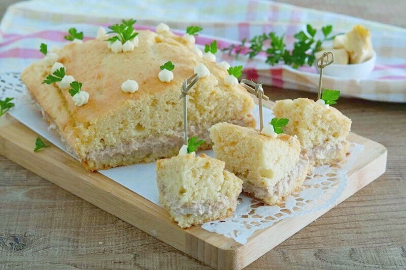 torta salata con tonno e carciofini
