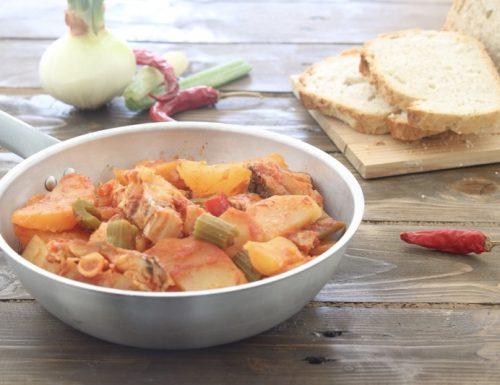 Stoccafisso in umido con le patate-Ricetta tradizionale